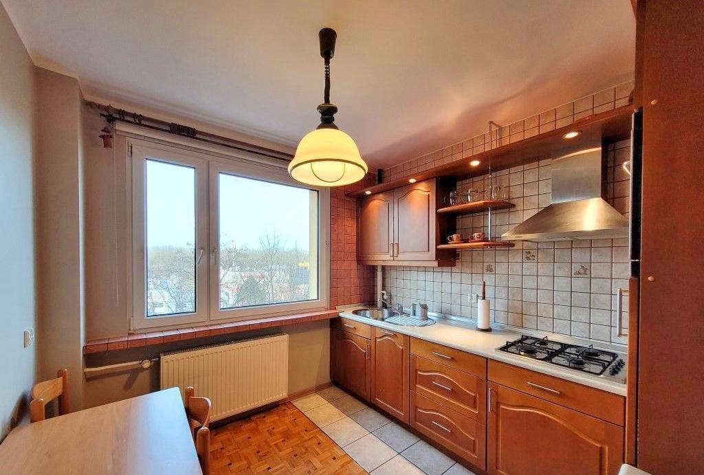 zabudowana kuchnia w mieszkaniu do wynajmu Wrocław Fabryczna