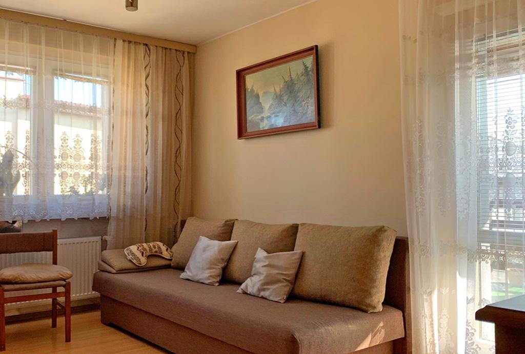 fragment pokoju gościnnego w mieszkaniu na wynajem Wrocław Psie Pole