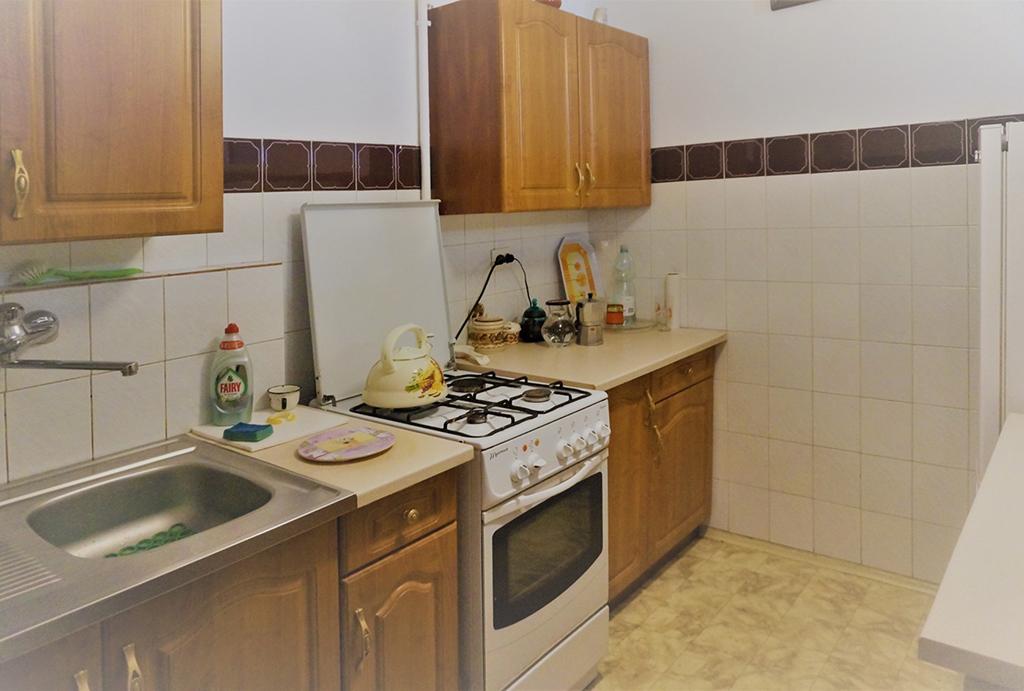 zabudowana funkcjonalnie kuchnia w mieszkaniu na sprzedaż Wrocław Stare Miasto
