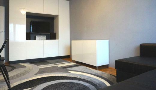 nowoczesna zabudowa salonu w mieszkaniu do wynajęcia Wrocław Fabryczna