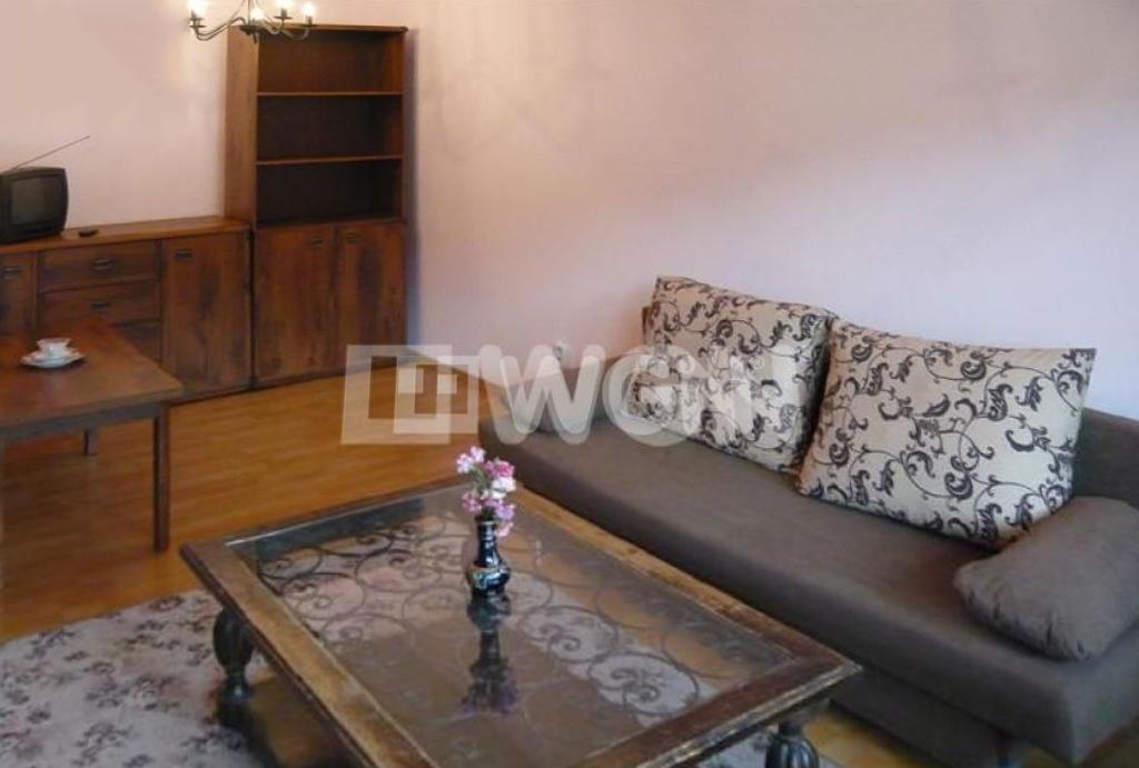 zbliżenie na pokój dzienny w mieszkaniu do wynajmu Wrocław Krzyki