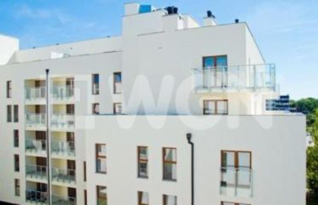 ekskluzywny apartamentowiec, w którym znajduje się oferowane na sprzedaż mieszkaniu na wynajem Wrocław Krzyki