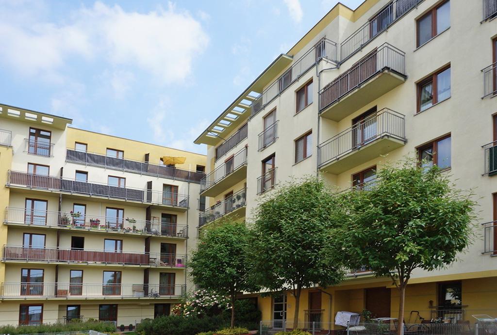prestiżowe osiedle, na którym znajduje się oferowane do sprzedaży mieszkanie Wrocław