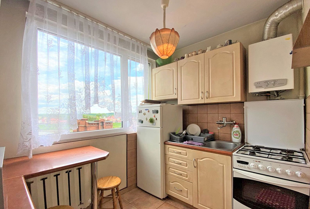 praktycznie urządzona kuchnia w mieszkaniu do sprzedaży Wrocław okolice