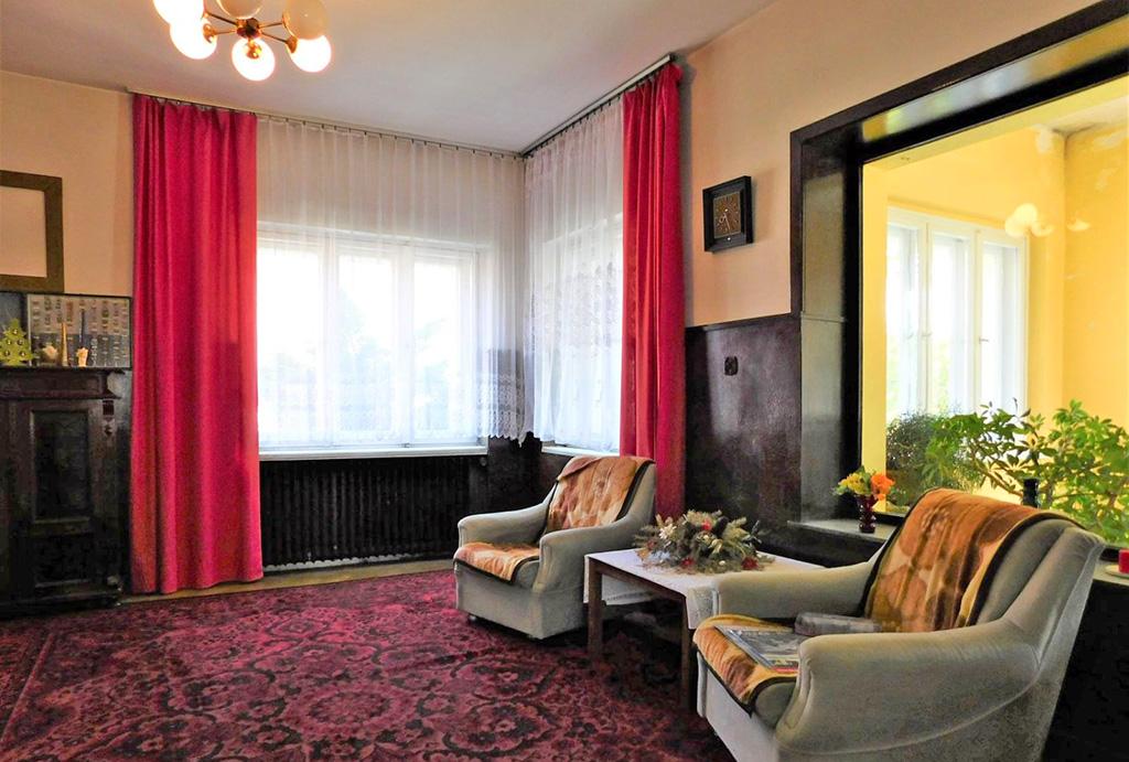 druga strona salonu w mieszkaniu na sprzedaż Wrocław (okolice)