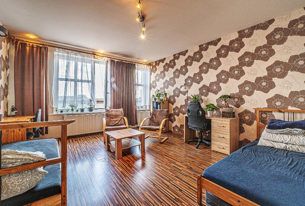 komfortowy salon w mieszkaniu do sprzedaży Wrocław