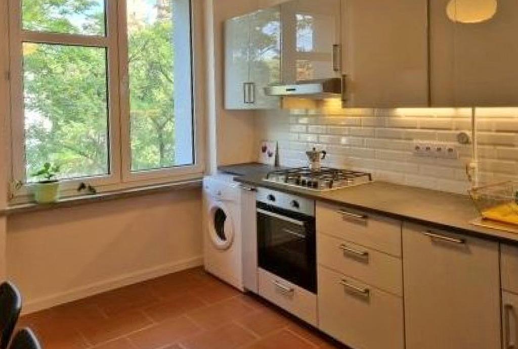 zabudowana kuchnia w mieszkaniu do wynajmu Wrocław