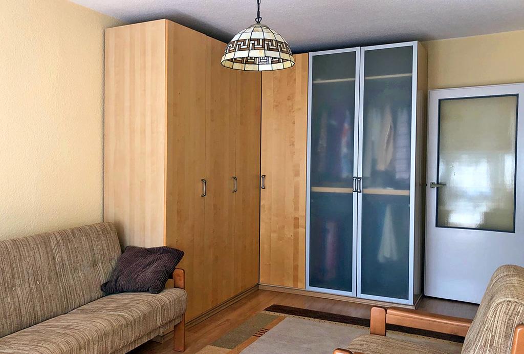 druga strona pokoju dziennego w mieszkaniu na sprzedaż Wrocław (okolice)